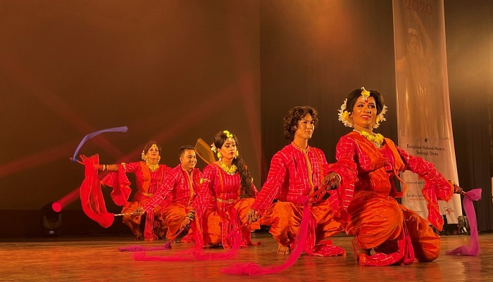 'Rejoice Life' a flamboyant performance by Transgender and Hijra dancers