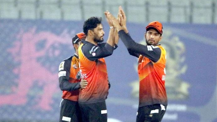 Jahurul, Mashrafe guide Khulna to Bangabandhu T20 Cup final