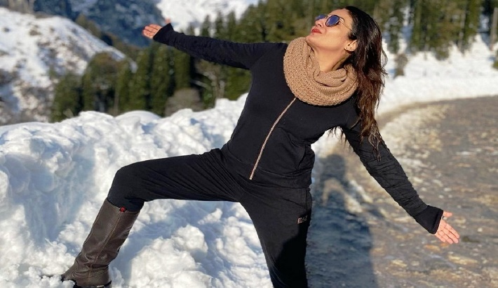 Raveena Tandon turns 'Switzerlandkasharukh' in Himachal