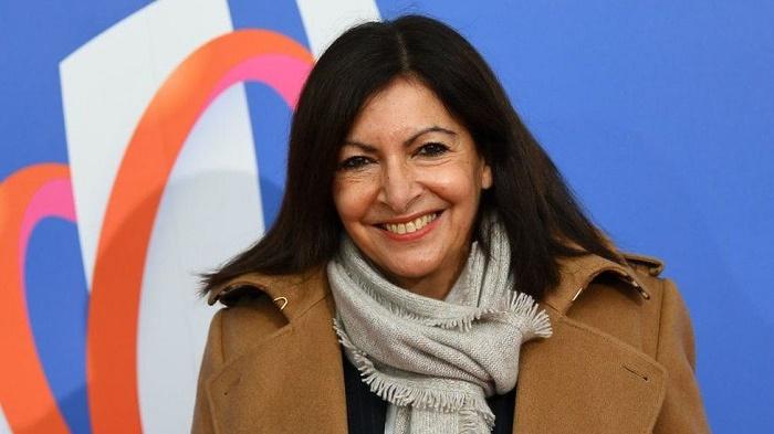 Paris mayor mocks 'absurd' fine for hiring too many women