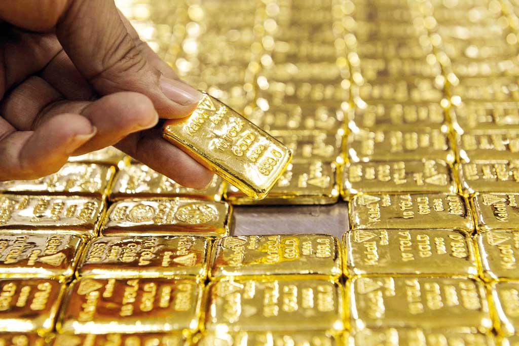 Man held with 130 gold bars at Dhaka Airport