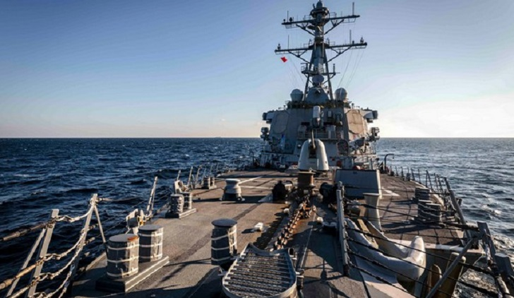 Chinese warship shadows US destroyer during operation in SCS