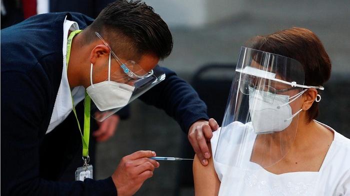 Covid: Mexico, Chile and Costa Rica begin mass vaccination