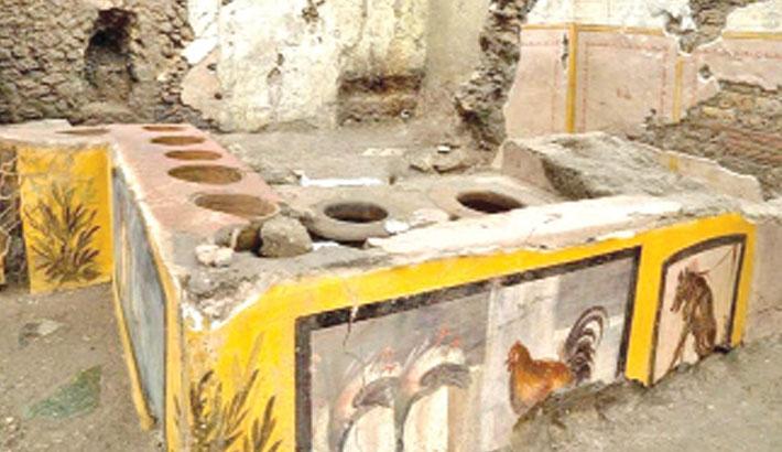 Ancient street food shop found in Pompeii