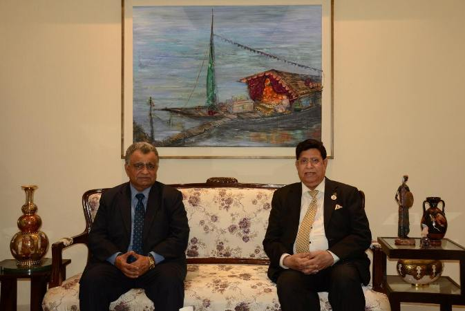 CDA of Oman pays his farewell call on the Foreign Minister