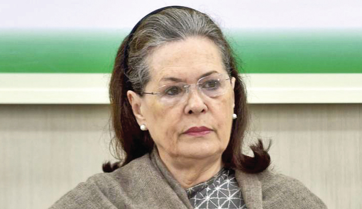 Sonia demands 'unconditional' repeal of farm laws