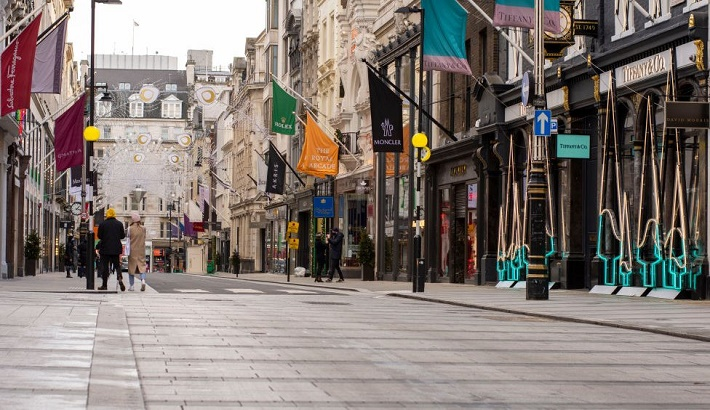 Covid: New lockdowns for England and Scotland ahead of 'hardest weeks'