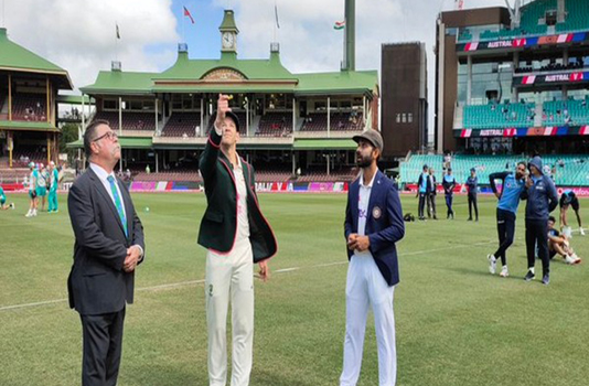 Australia win toss, bat in third Test against India