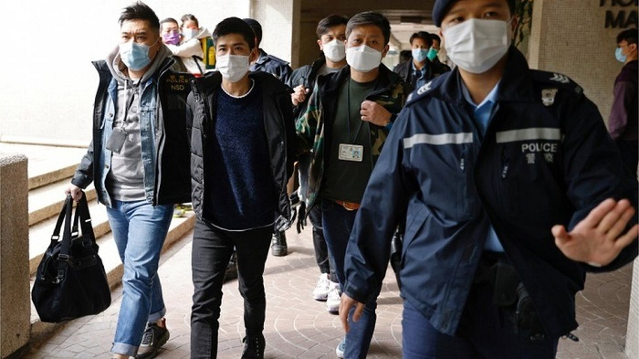 National security law: Hong Kong rounds up 53 pro-democracy activists