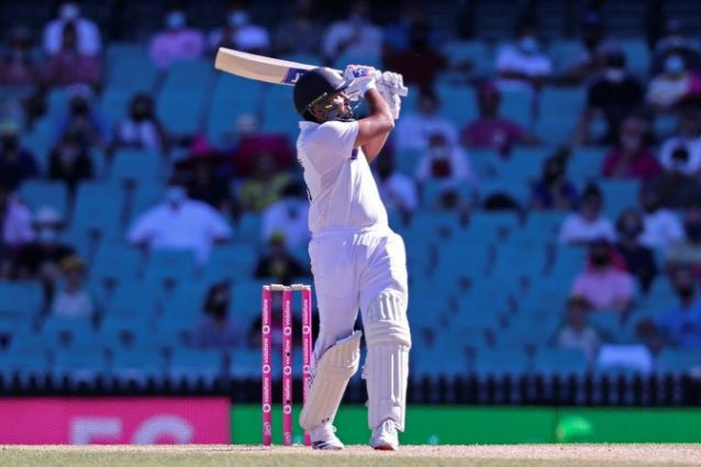 India battle to save Sydney Test marred by crowd abuse allegations