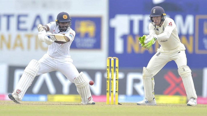 Sri Lanka dig in after Root double ton