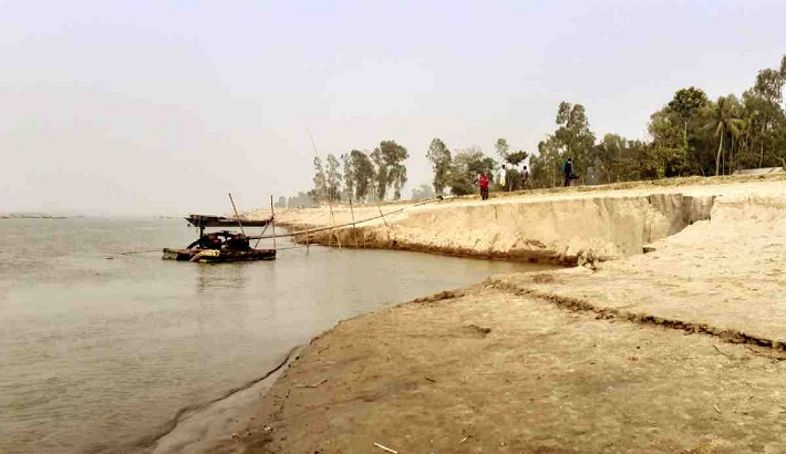 Illegal sand mining goes on unabated in Kurigram