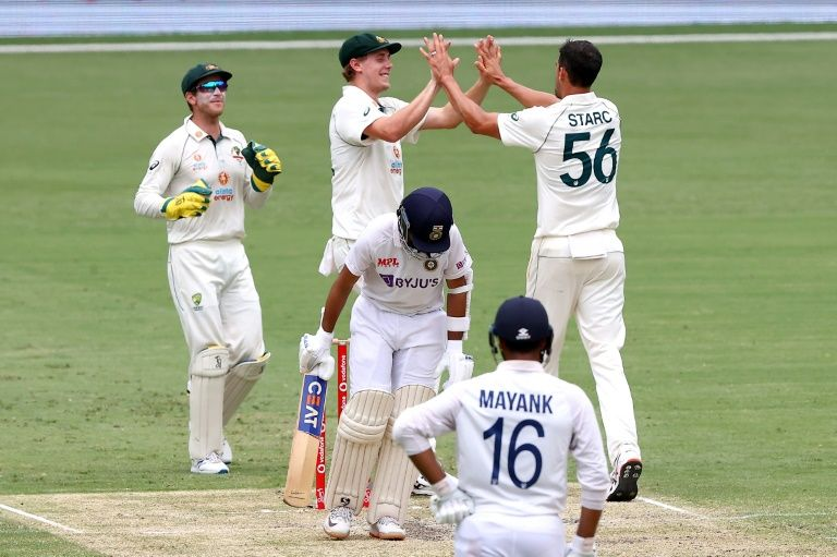 Australia claim vital wicket of Rahane just before lunch