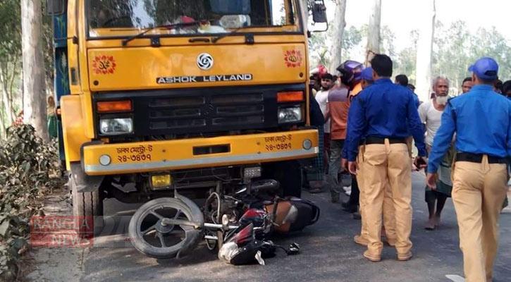 2 cops killed in Lalmonirhat road crash