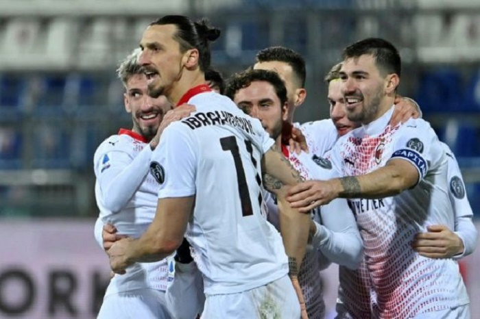 Ibrahimovic double as Milan pull clear of Inter on top of Serie A