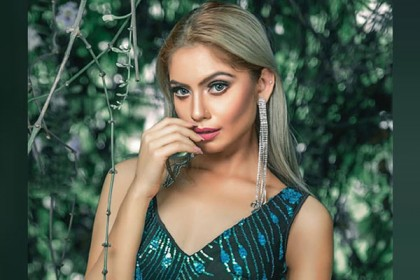 Model Sadia Naz's hanging body recovered