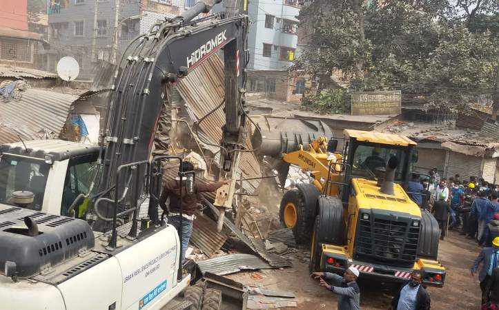 DNCC faces obstruction during eviction drive in Mirpur