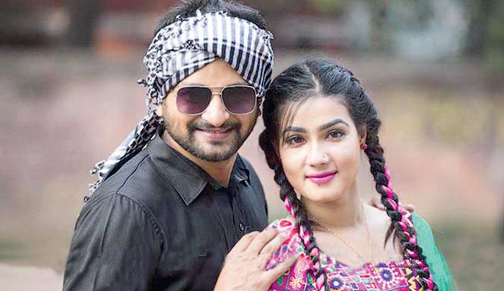Symon Sadik, Mahiya Mahi pair up in three films