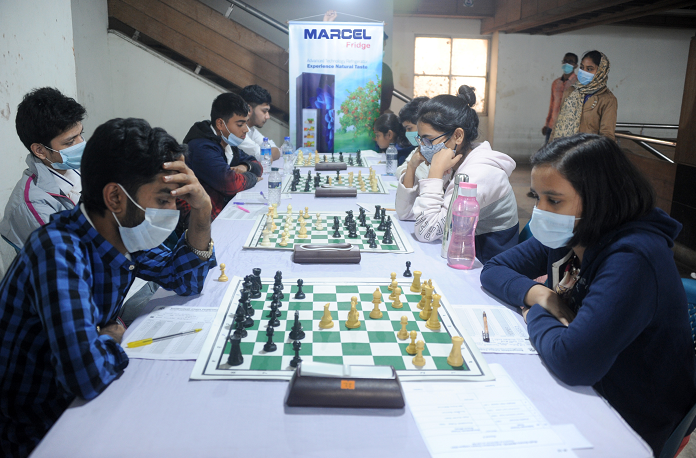 Eight teams share top spot in Mujib Barsho 2nd Div Chess