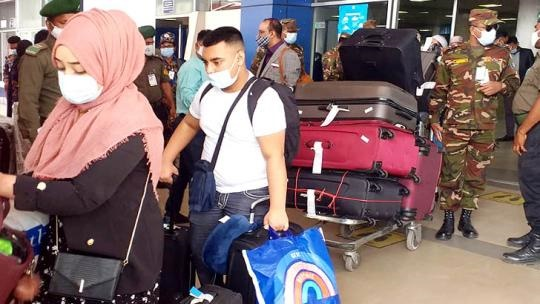 Passengers coming from London to stay in 7-day quarantine