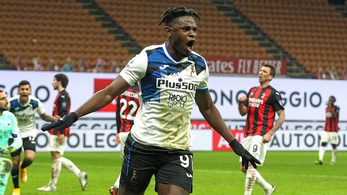 AC Milan stay top despite Atalanta defeat as rivals Inter held