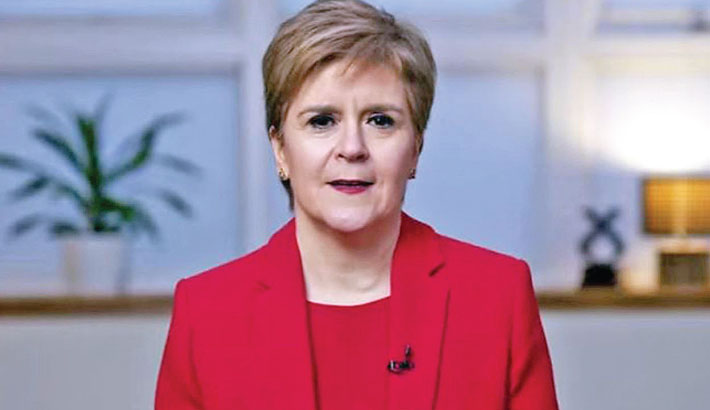 Scottish leader vows to hold 'legal' independence vote