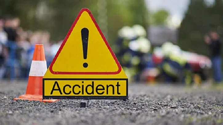 Awami League leader killed in road accident