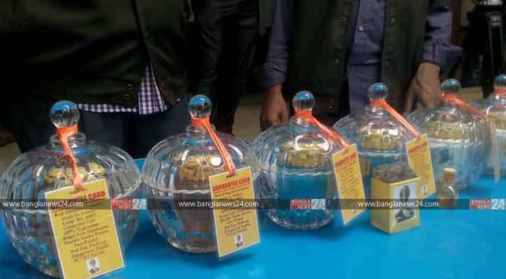 3 held with snake venom worth Tk 100 crore in Khulna