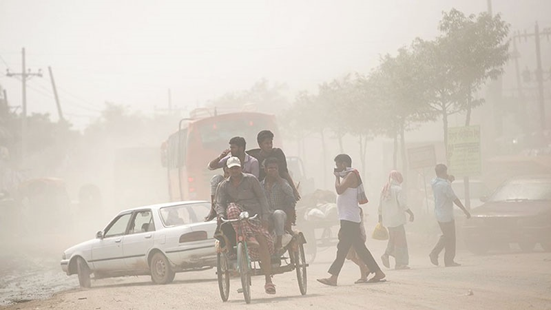 Dust pollution suffocates Dhaka