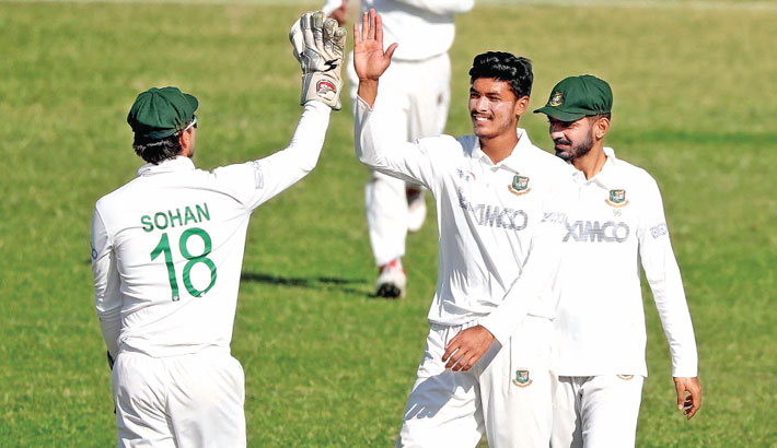 Rishad steals spotlight with five-for