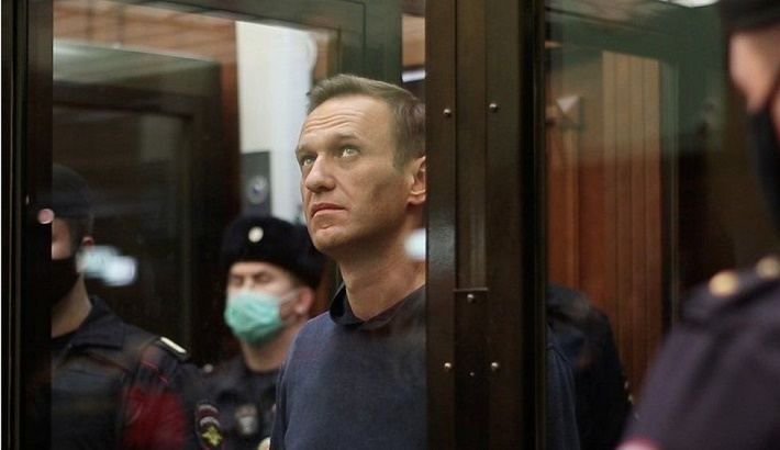 Russia: Mass detentions after Putin critic Navalny jailed