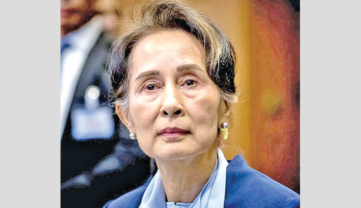 Suu Kyi charged as calls for opposing the coup grow