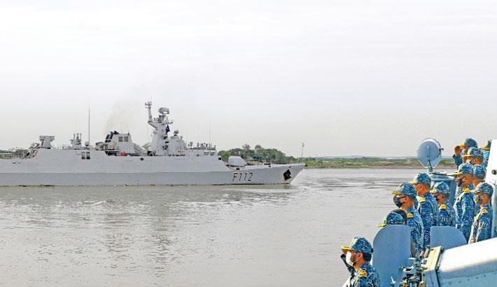 Navy warship leaves Ctg to take part in IDEX, NAVDEX in UAE
