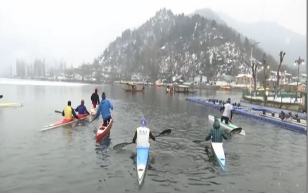 Players in Srinagar practice in frozen Dal lake ahead of national championship