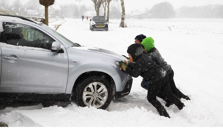 Storm Darcy: Netherlands hit by 'first major snowstorm in decade'