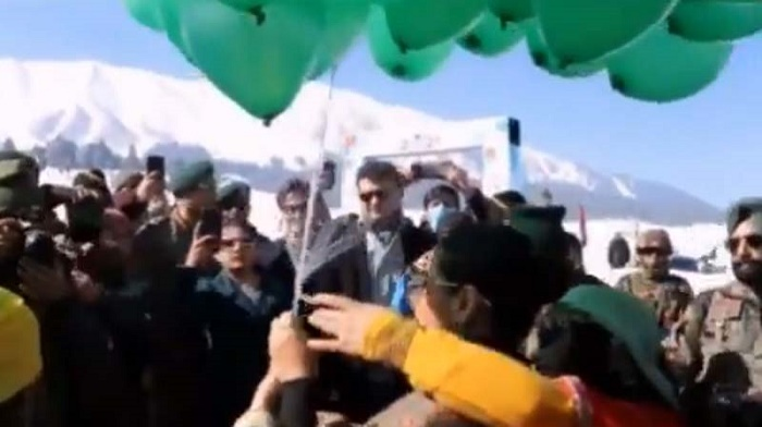 Vidya Balan, Arbaaz Khan visit Jammu and Kashmir to participate in  three-day winter festival