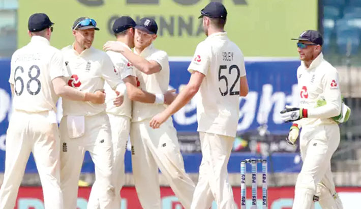 Root's England thrash dismal India