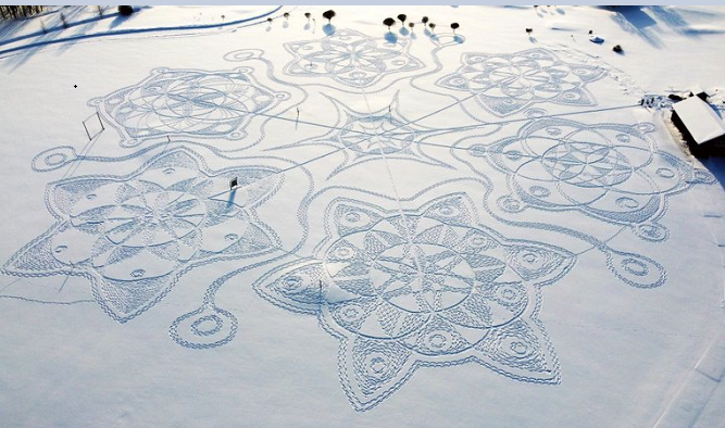 Finns in snowshoes create temporary artwork on golf course