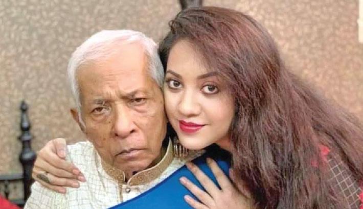 Actress Tareen's father passes away