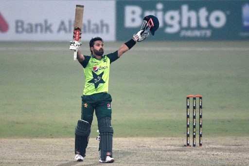 Rizwan hundred helps Pakistan edge South Africa in T20