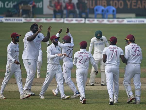 Mithun, Mushfiq fall as Bangladesh fight to avoid follow-on