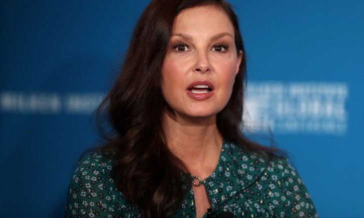 Ashley Judd nearly loses her leg in Congo rainforest fall