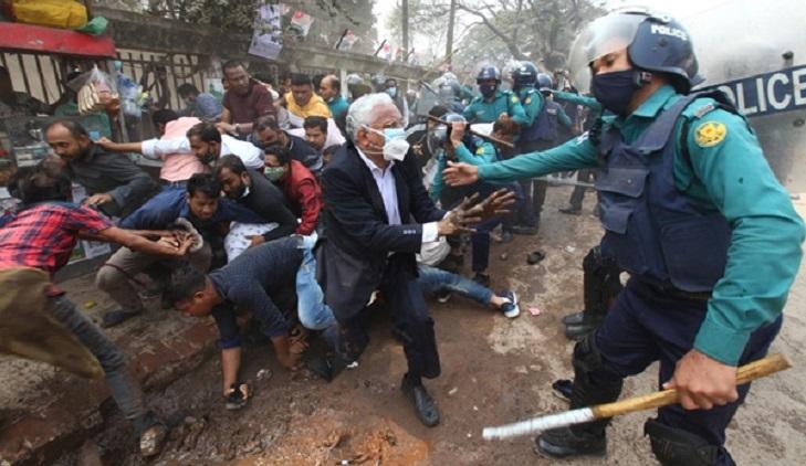 17 BNP activists held following clash in Press Club