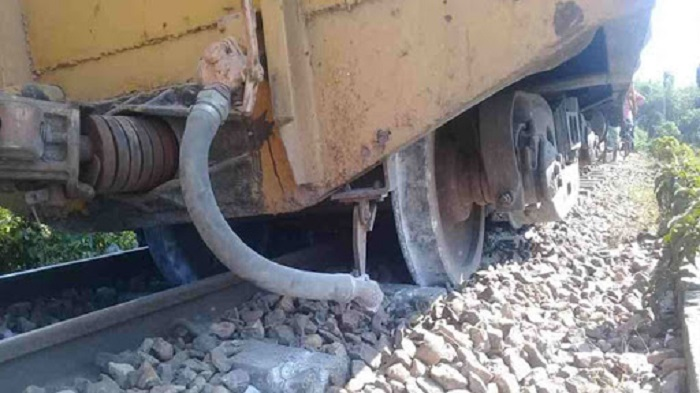 Derailment snaps Sylhet's rail link with other parts of country