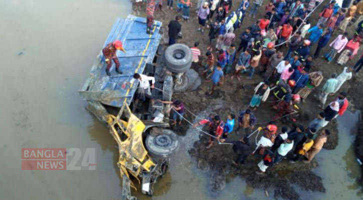 2 killed as truck falls into ditch in Sylhet