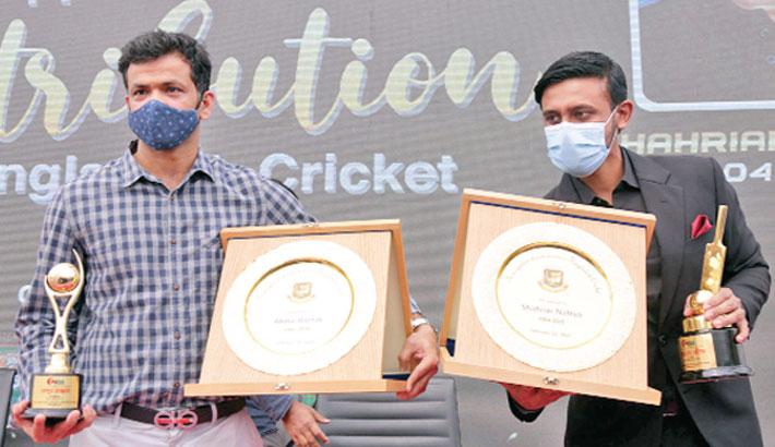 Razzak, Nafees bid farewell to cricket