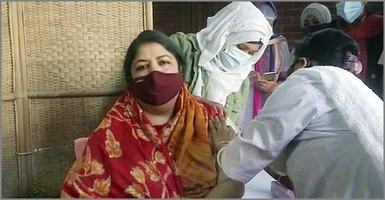 Speaker Dr Shirin Sharmin receives Corona vaccine