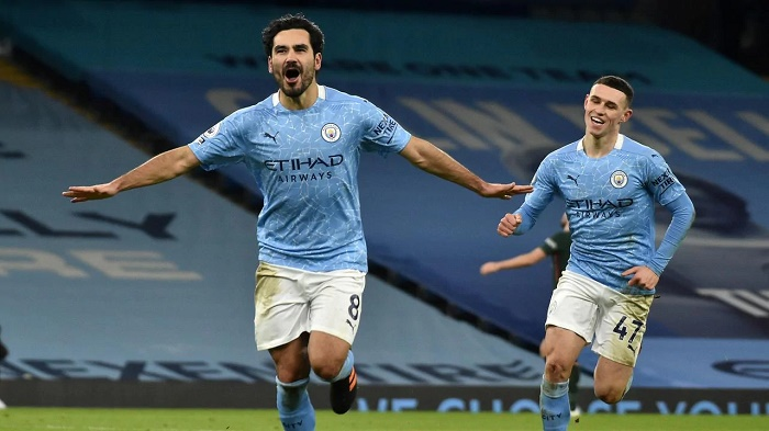 Man City extend lead to seven points, Liverpool stunned by Leicester