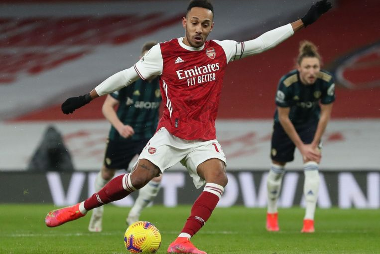 Aubameyang hits hat-trick as Arsenal hold off Leeds rally