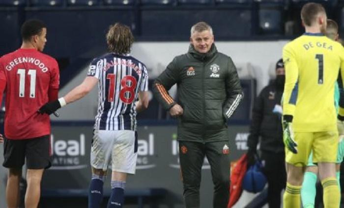 Man Utd's title bid damaged by West Brom draw